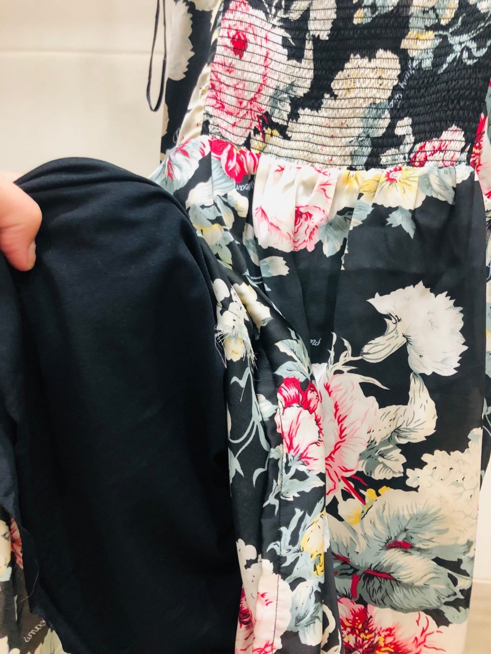 Платье GUESS Los Angeles. Размер L-XL.