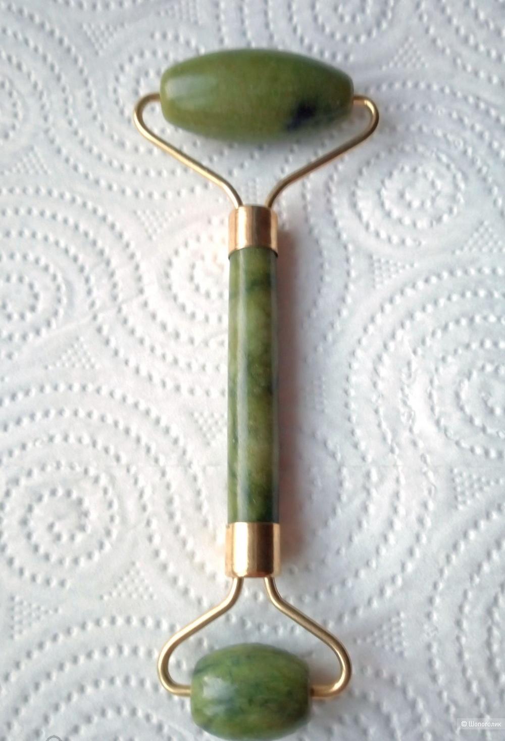 Роллер-массажер из камня нефрит для лица