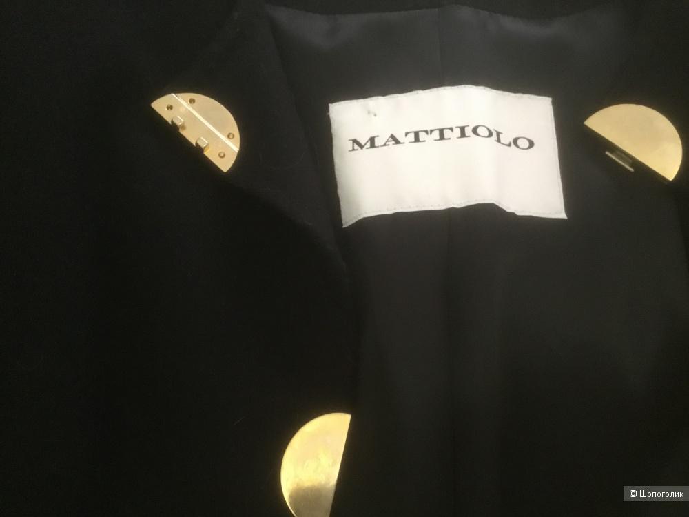 Пальто бренда Mattiolo , Италия,размер производителя 46