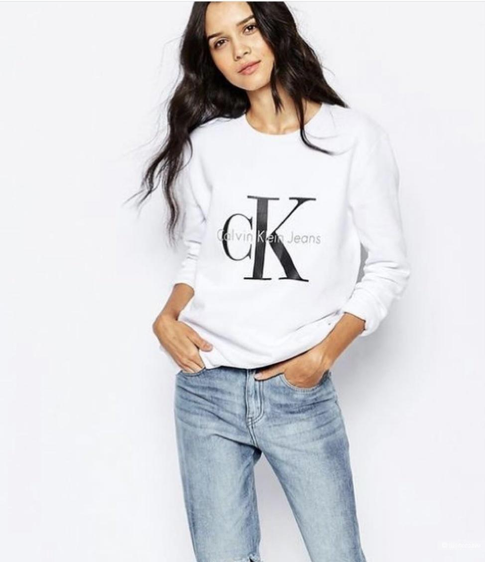 Свитшот Calvin Klein размер М