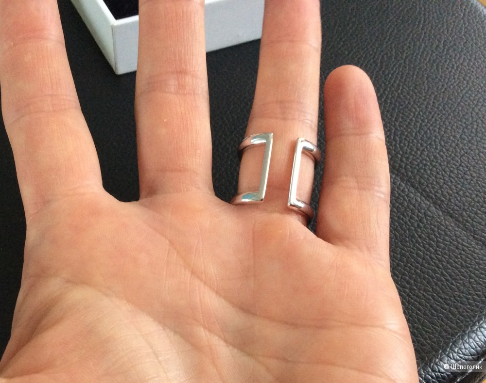Серебряное кольцо с фианитами Sokolov р.17,5-18