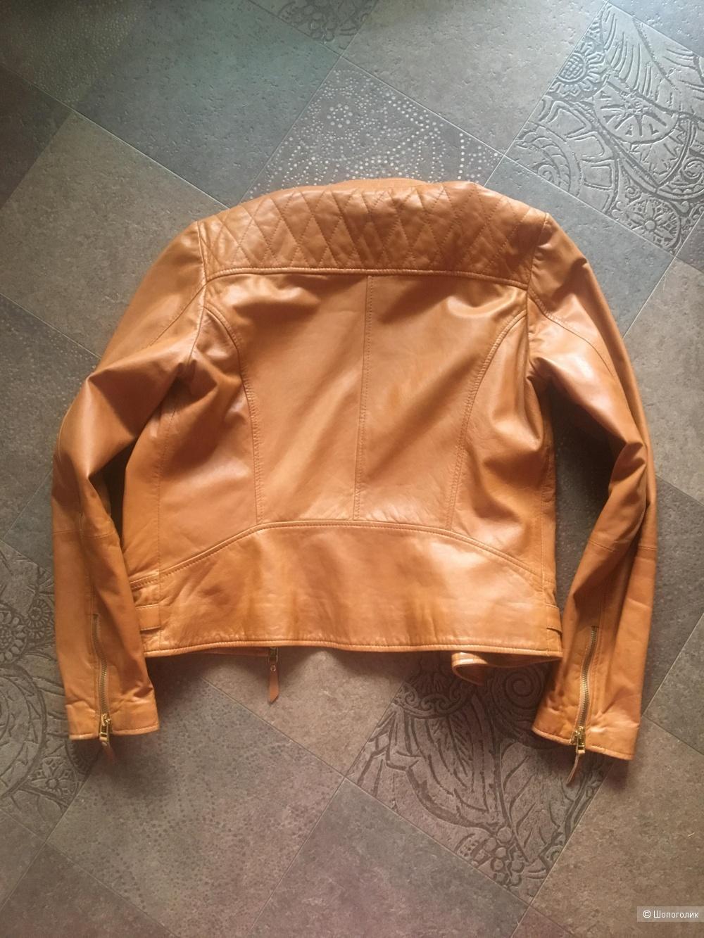 Куртка кожаная Massimo Dutti (EU 38)
