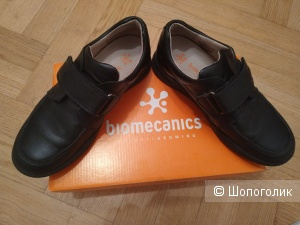 Biomechanics, 35