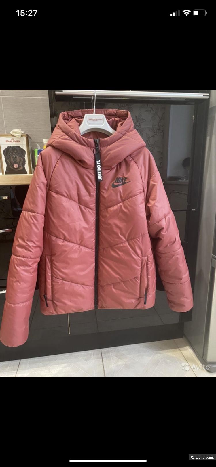 Куртка Nike. Размер S