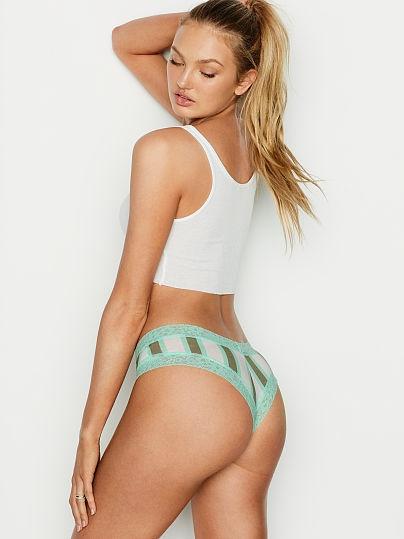 Комплект белья Victoria's Secret 80C / XL