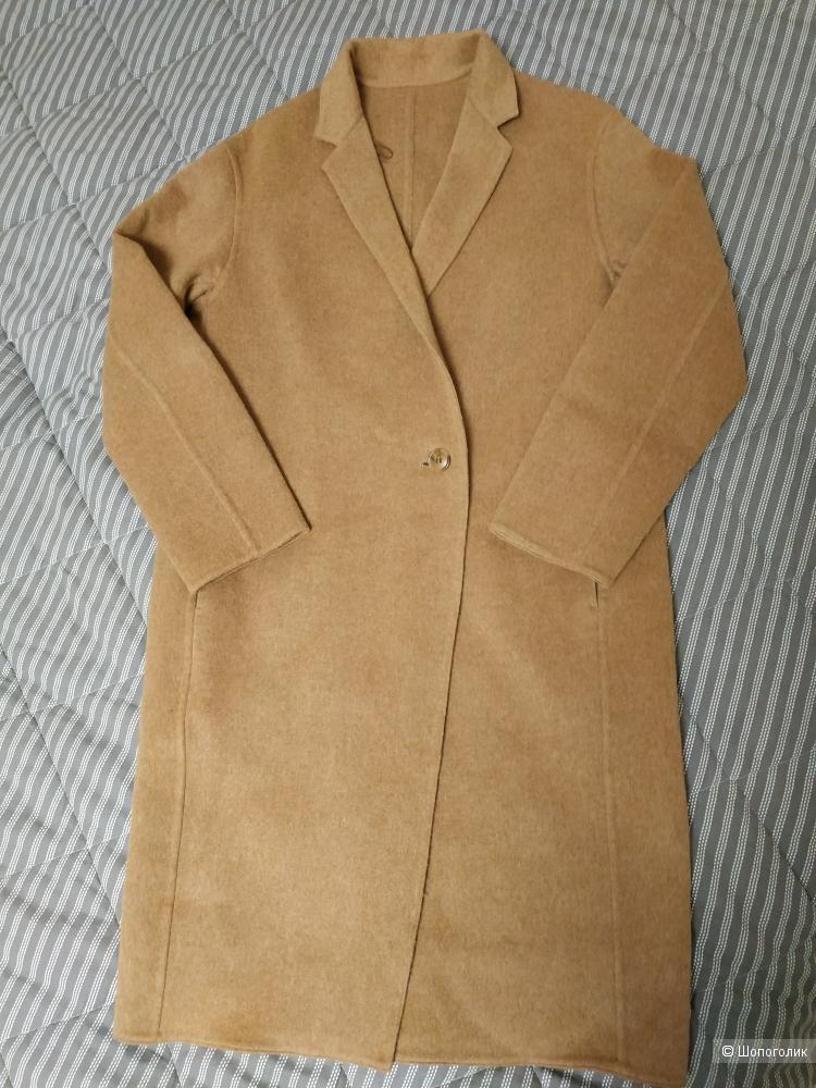 Пальто uniqlo XS
