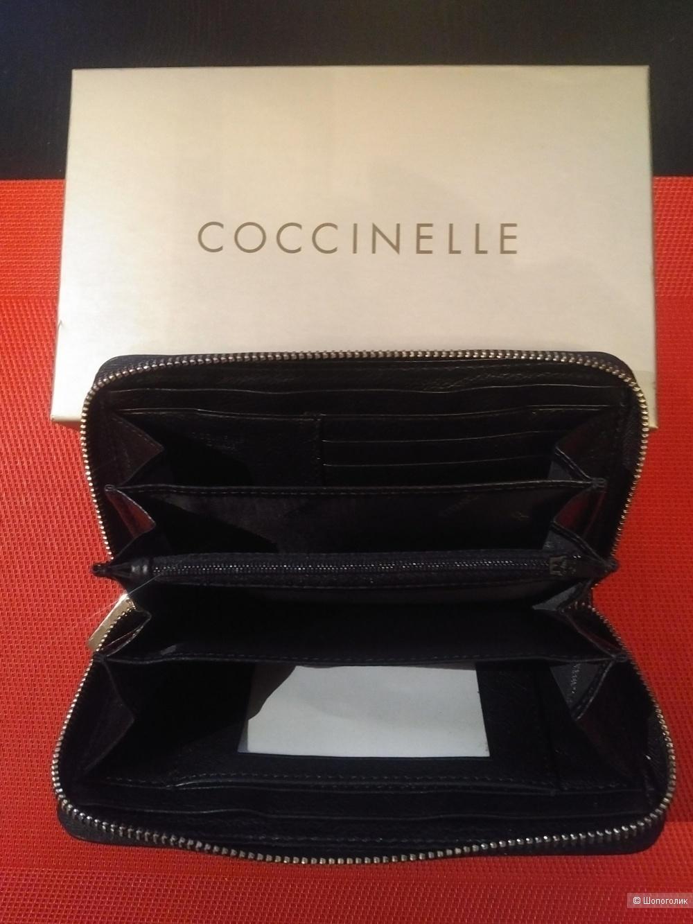 Кошелек бренда Coccinelle, размер 10 х 18 см