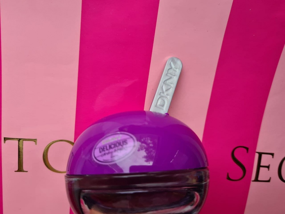 Парфюмированная вода DKNY Be Delicious Candy Apples Juicy Berry 50 мл