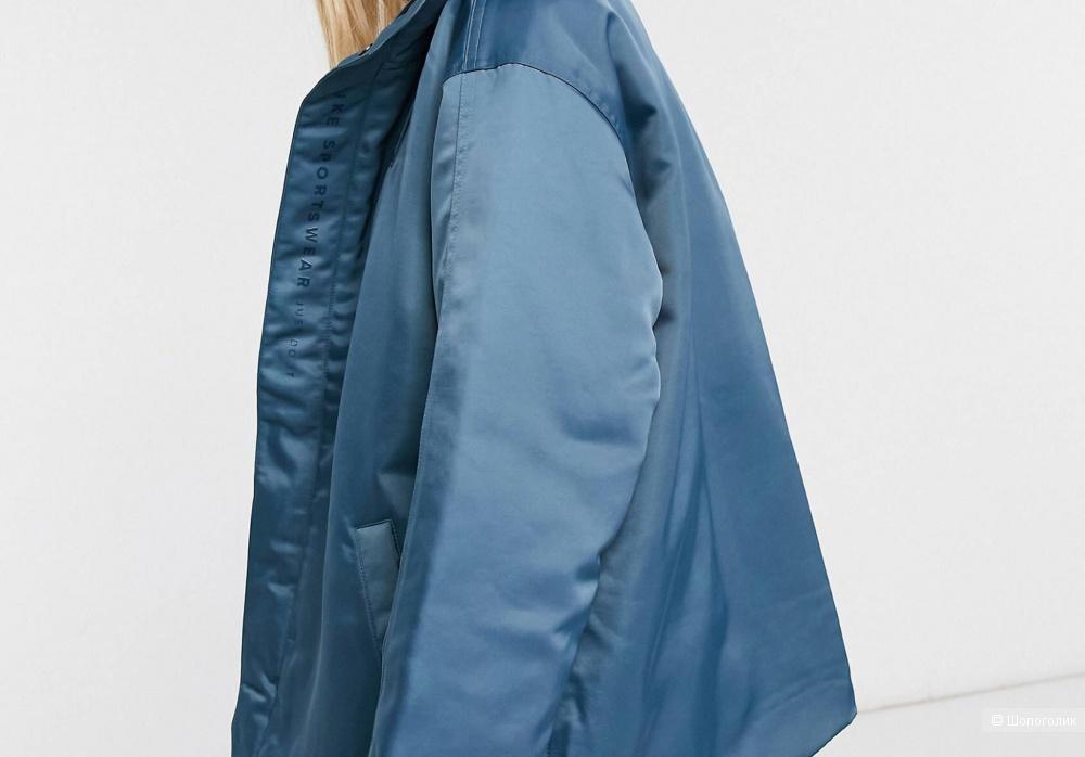Куртка Nike размер s