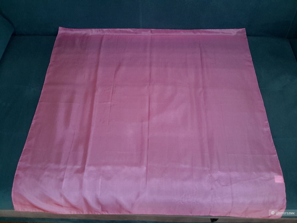 Платок из 100% шёлка,  no name, размер 90*90 см.