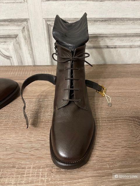 """Высокие ботинки """"FABRIZIO CHINI"""". 37 EU."""