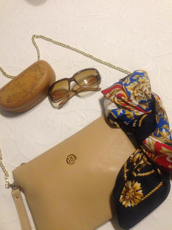 снижена цена на нюдовую сумочку-клатч..скромное обояние буржуазии