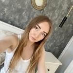 Katy_wardrobe