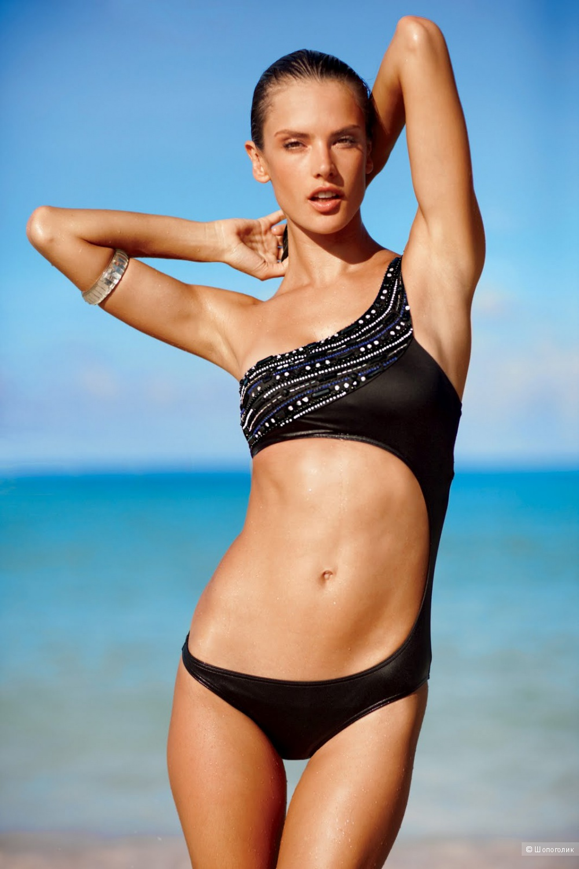 Dating bikini model