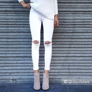 Для летнего настроения: как носить белые джинсы