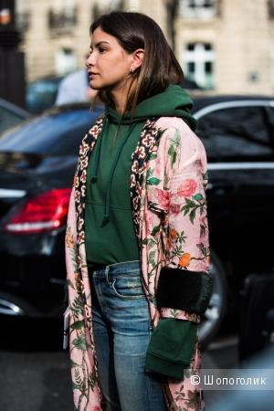 Верхняя одежда в бельевом стиле: шёлковое пальто-халат