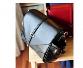 оптом Классическая черная сумка.