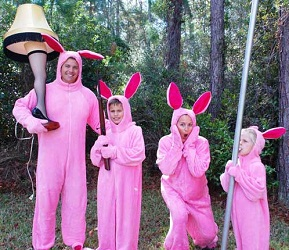 The Easterling Family as Deranged Easter Bunnies / achristmasstoryhouse.com