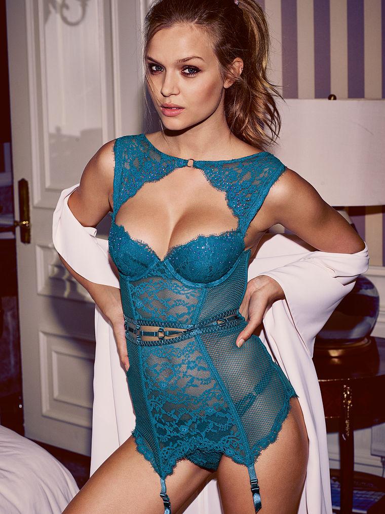 Новинка Victoria's Secret: Кружевное и сетчатое белье для горячих девушек